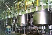 最新の工場で酵素分解